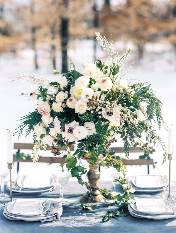 Neutral wintery centerpiece