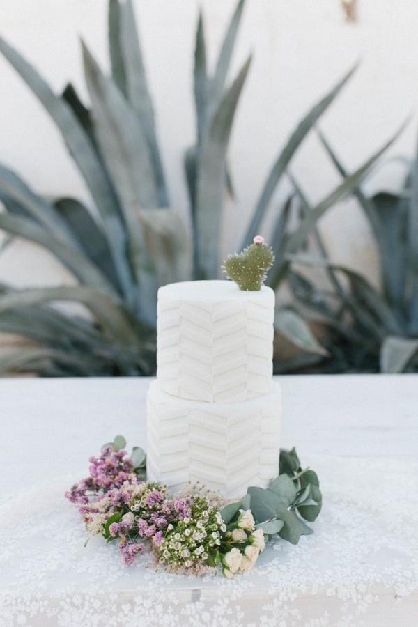 Minimalist cactus wedding cake