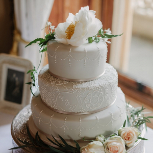 Pale green wedding cake