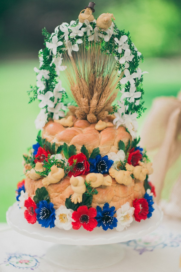 Braided bread cake
