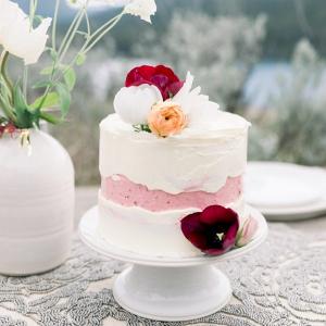 Crevasse wedding cake