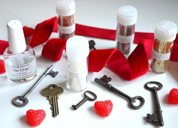 DIY Glittered Skeleton Key Necklace