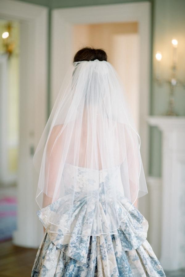 China Blue Pattern Yolan Chris Wedding Gown