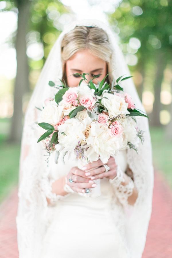 Elegant Bride in Galia Lahav