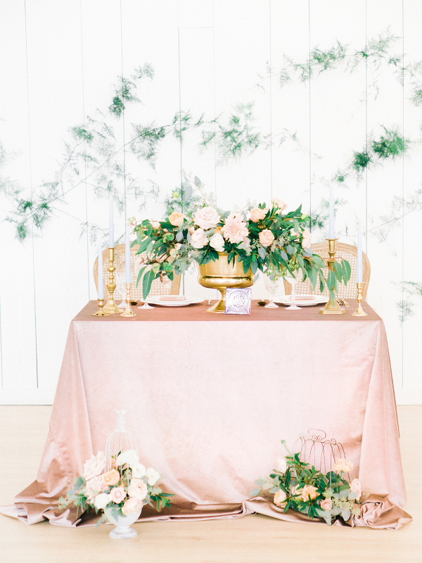 Pink and peach sweetheart table
