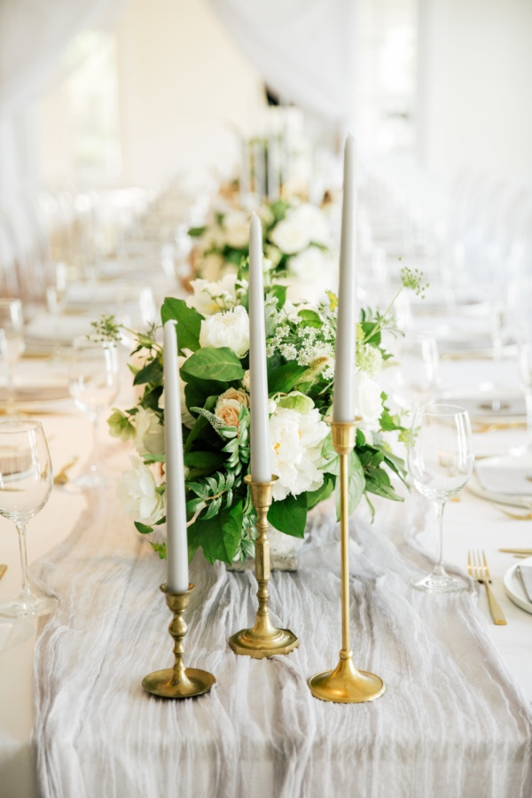 Neutral wedding centerpiece
