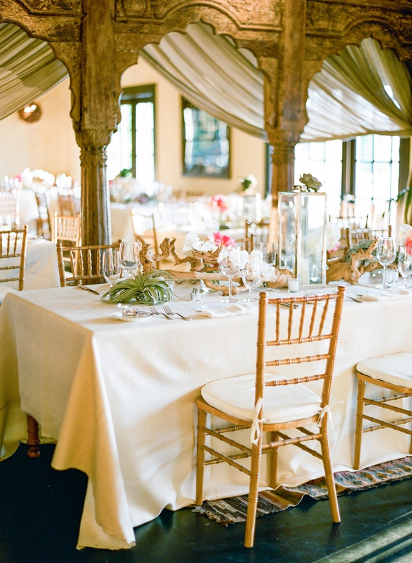 Elegant beach reception