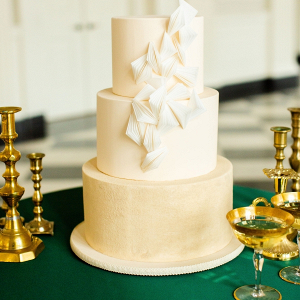 Modern elegant wedding cake