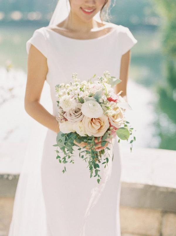 Blush ivory wedding bouquet