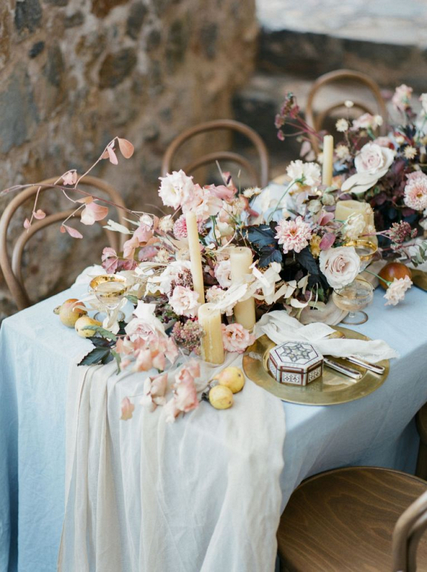 Rustic flowers tabe setting for Bohemian elopement
