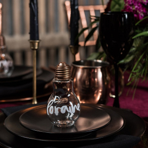 Light bulb place card