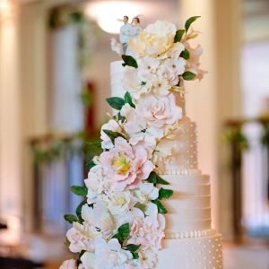 Classic blush and cream sugar flower wedding cake