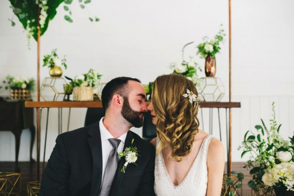 Modern greenery and copper wedding ideas