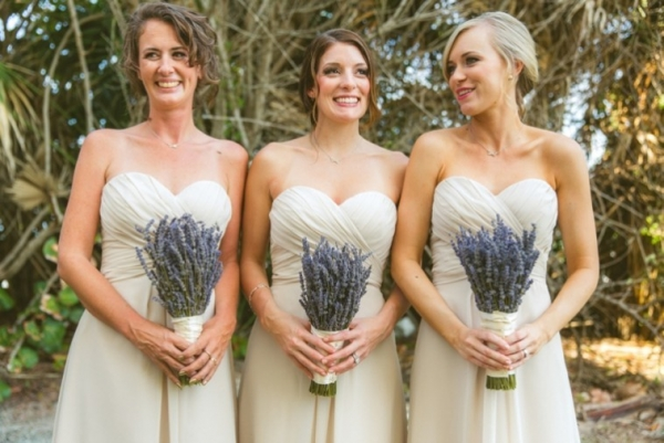 Lavender bridesmaid bouquets