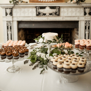 Dessert table with cupcakes