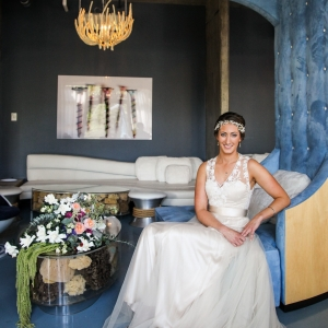 Vintage Style Bride In Swanky Lounge Area