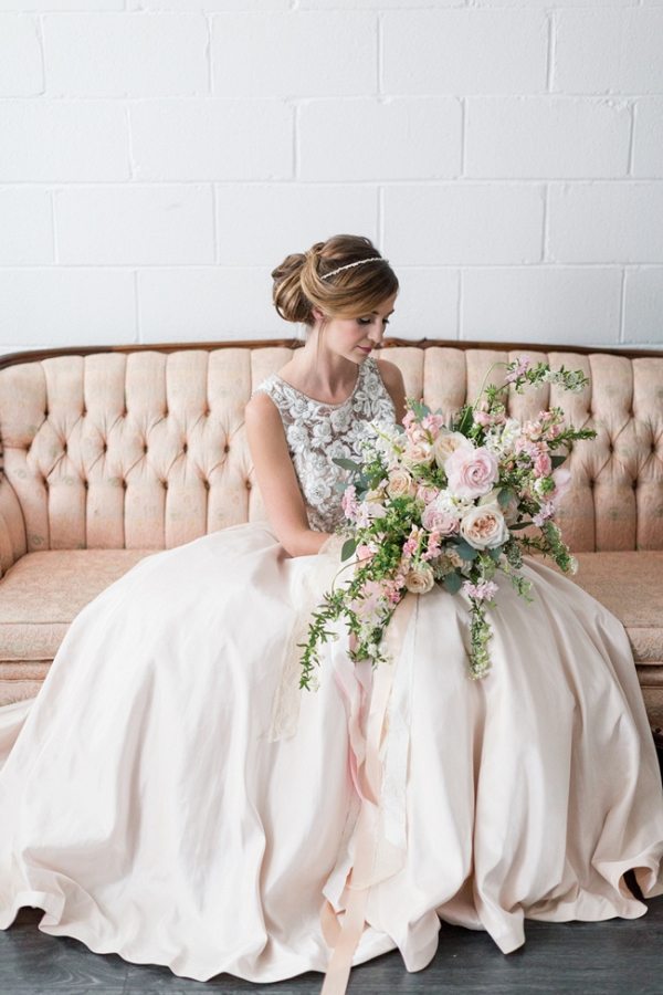 Classy Bride With Unstructured Bouquet