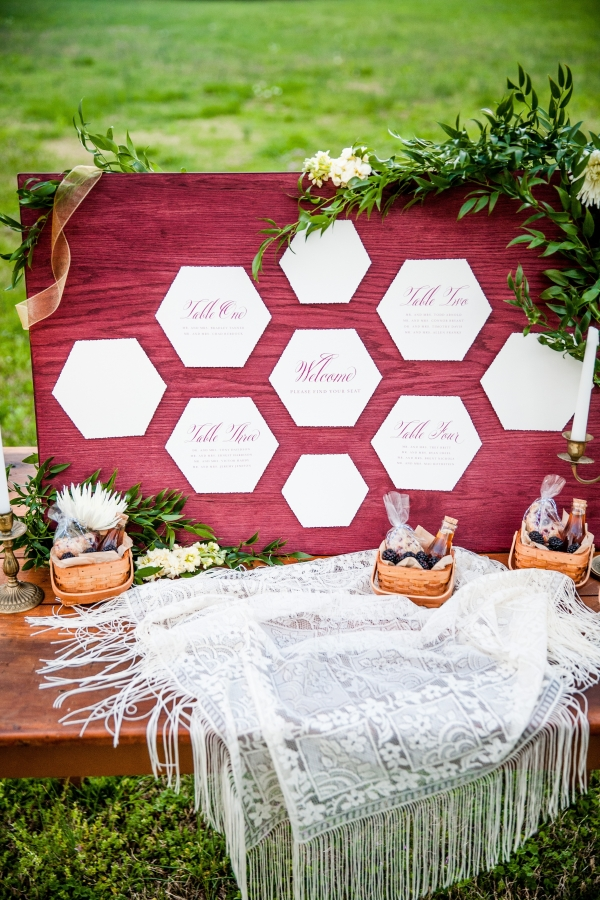 Honeycomb Shape Escort Display