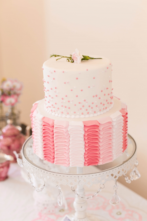 Pretty tiered wedding cake