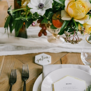 Honey inspired place setting