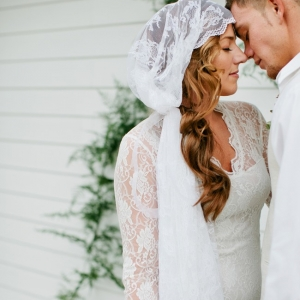 Clean and white wedding inspiration