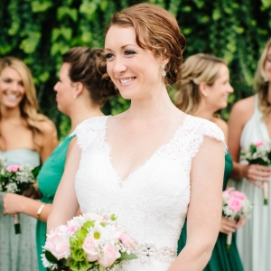 Bride with bridesmaids in green