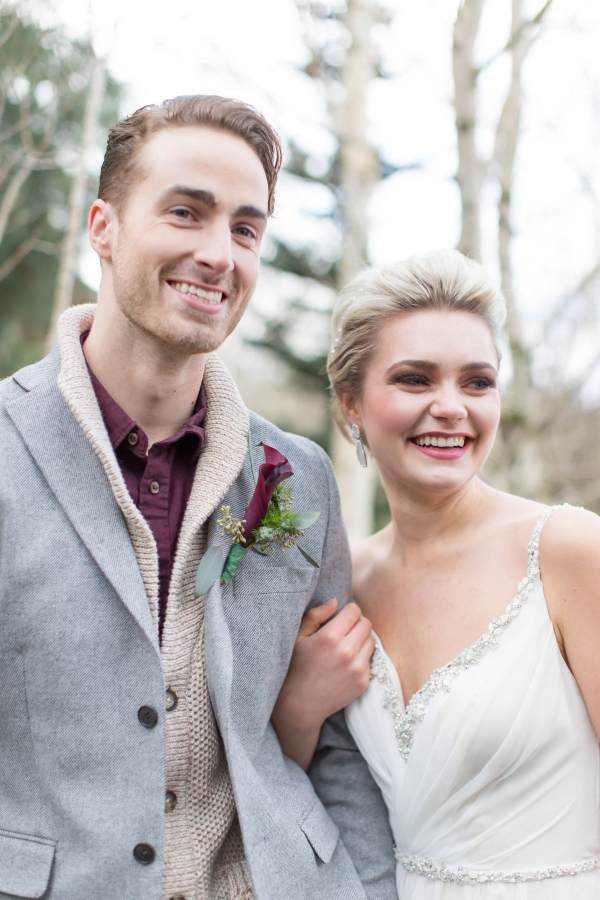 Stylish mid-century styled bride and groom