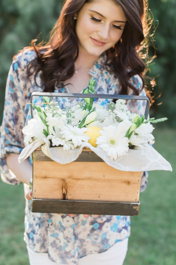 Vintage styled picnic engagement session