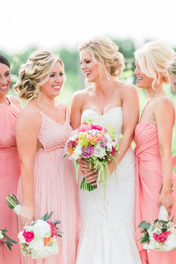 Elegant bridesmaids in shades of pink