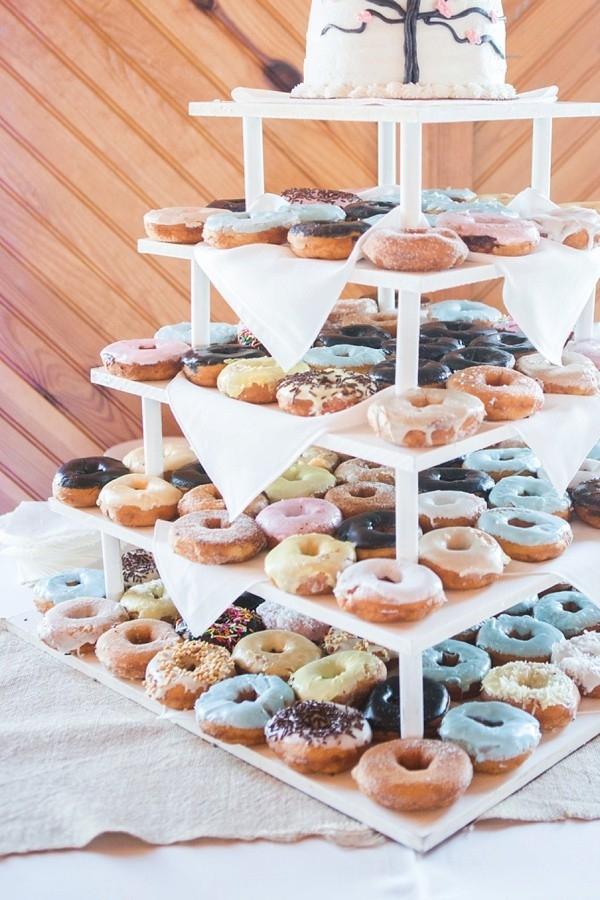 Pastel donut cake tree