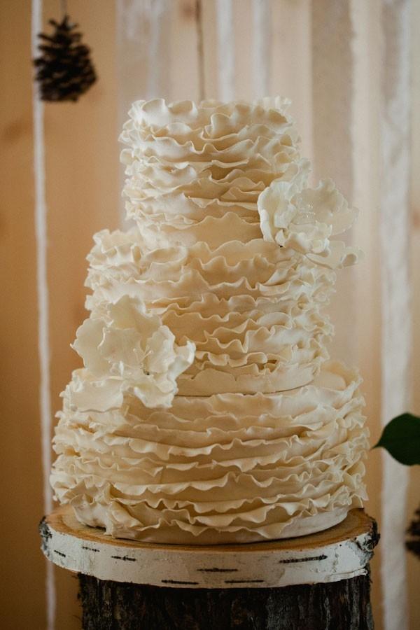 Vintage Rustic Wedding With White Ruffle Wedding Cake Sophie Asselin Photographe