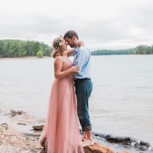 Dreamy lake engagement session on Glamour & Grace