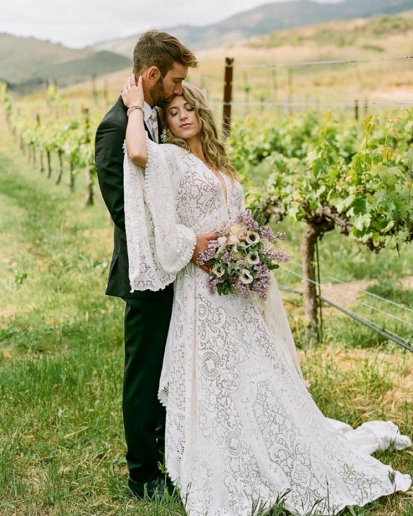 boho-ranch-wedding-ideas-Szu-Designs-Glamour-Grace-17