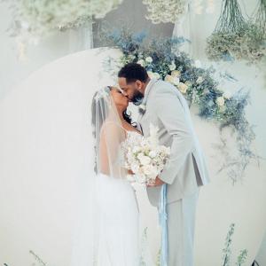 romantic-glam-ice-blue-wedding-ideas-Glass-Darkly-Photos-Glamour-Grace-11