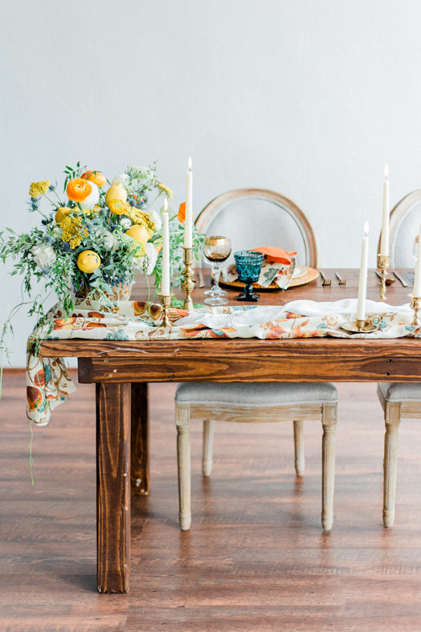 Colorful Mediterranean wedding tablescape