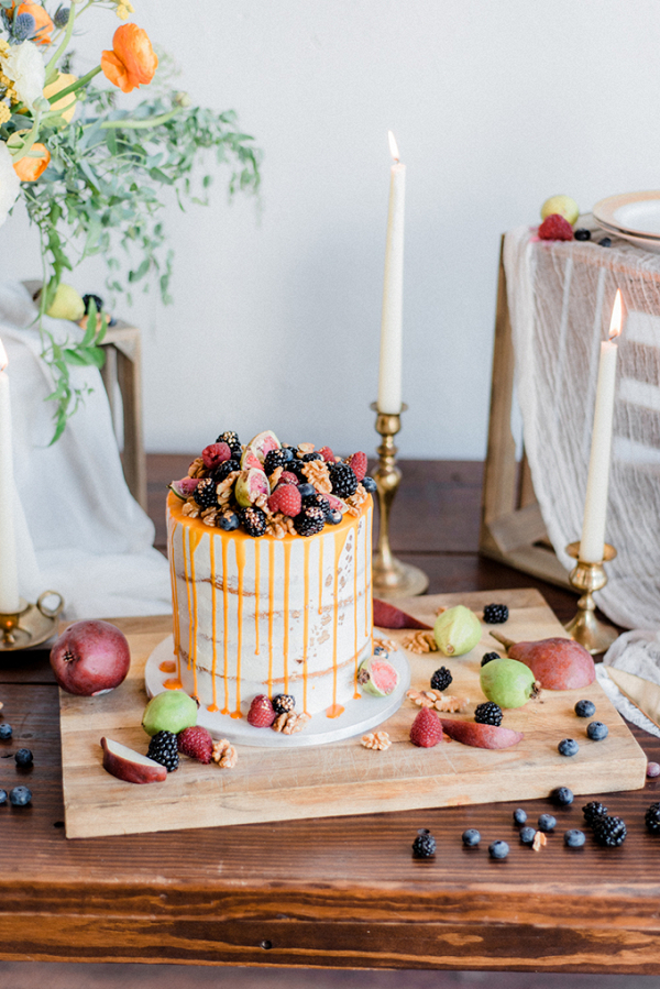 Drip wedding cake with fresh fruit
