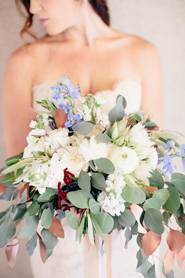 blue and cream bouquet on Glamour & Grace