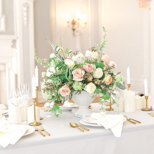 Classic blush wedding table