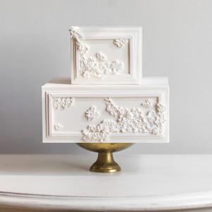 Embellished wedding cake