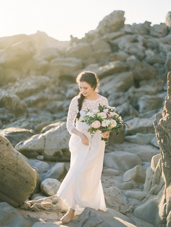 romantic coastal portraits on Glamour & Grace