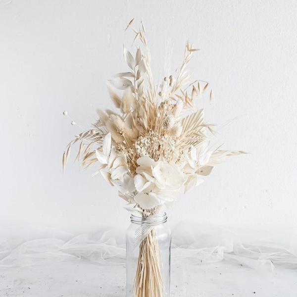 white and cream wedding flower bouquet