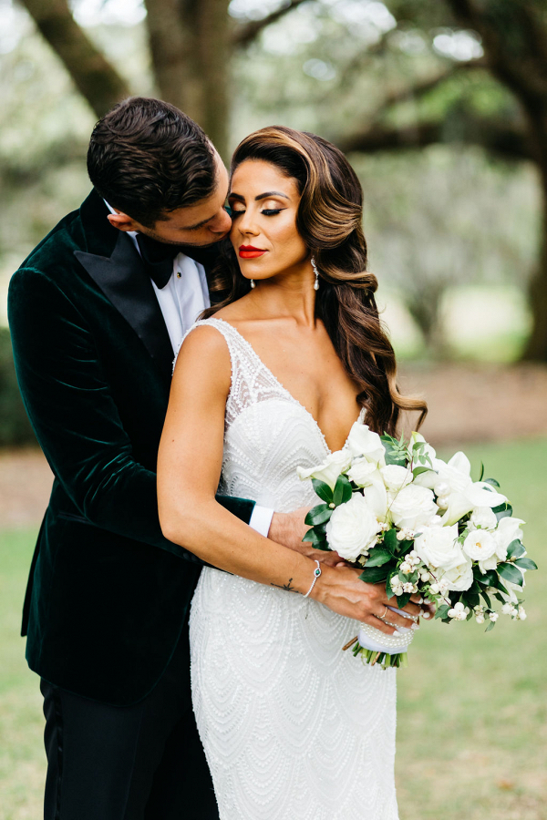 glam bride with loose hollywood style waves