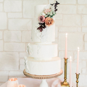 4 tier cake with garden roses by butterfly cakery