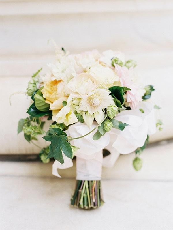 Elegant Floral Bouquet with Fresh Hops