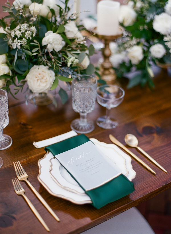 Emerald & Gold Holiday Wedding Inspiration