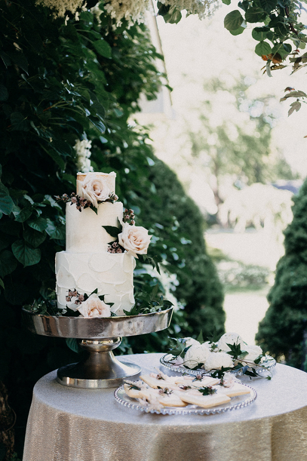 Garden Wedding Cake Table