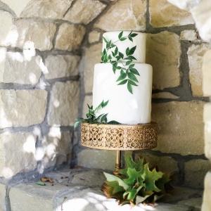 Simple and Elegant Garden Wedding Cake