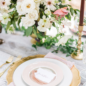 A Fresh Take on Blush and Gold Wedding Colors