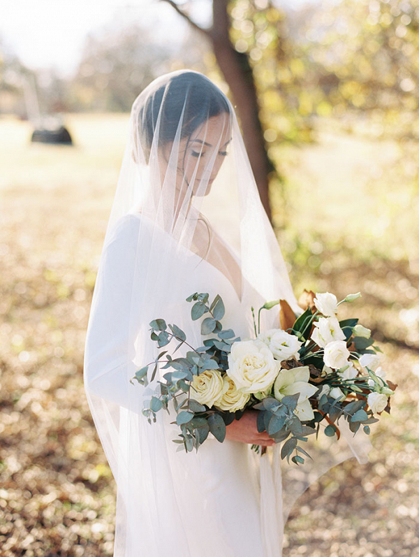 07-equestrian-inspired-wedding-day-horse-loving-bride