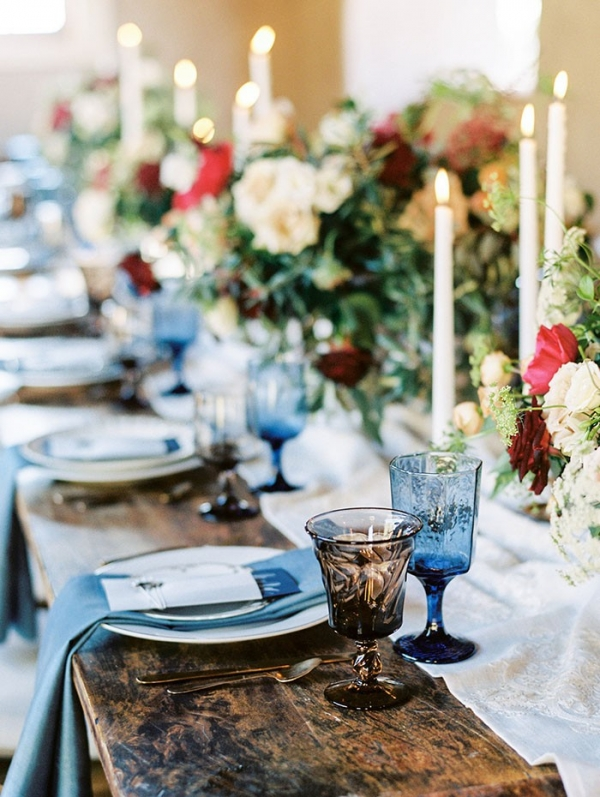 Elegant Rustic Tablescape In Rich Blue White And Red